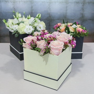 Picture of Fresh Flowers Hat Box