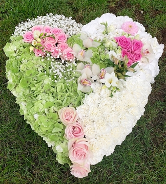 Picture of Green & Pink Flower Heart