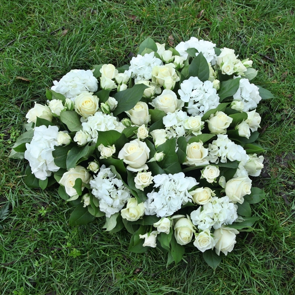 Picture of White Garden Sympathy Heart